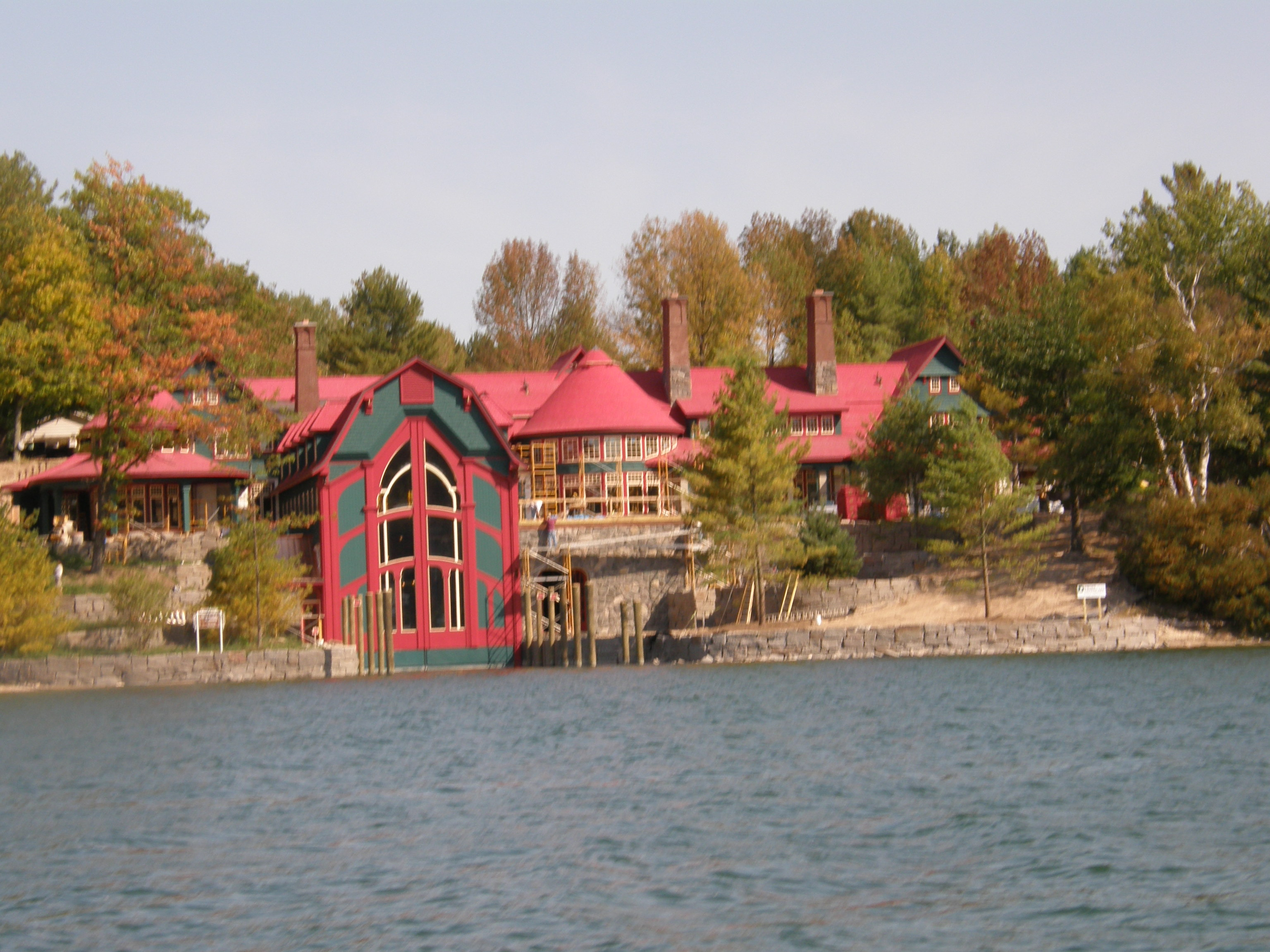 Image gallery homes on lake charlevoix for House builders in michigan